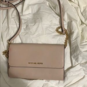 Light pink Michael Kors crossbody bag